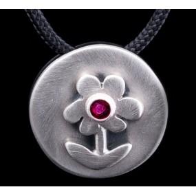 "Handmade necklace ""Circle with Daisy"""