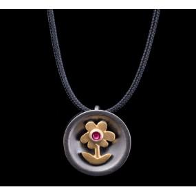 "Handmade necklace ""Daisy Bull"""